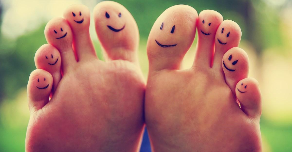 School suggests kids suck toes