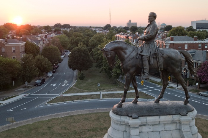 Virginia Lawmakers Approve Confederate Statue Removal Bills