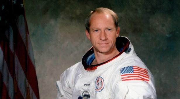 Apollo 15 Astronaut Al Worden, Who Circled the Moon, Dies at 88