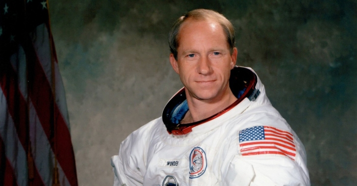 Apollo 15 Astronaut Al Worden, Who Circled the Moon, Dies at 88