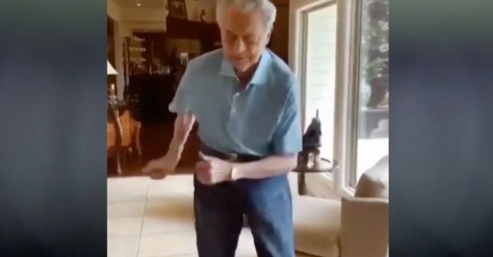 96-Year-Old WWII Veteran Dances After He and His Wife Beat COVID-19