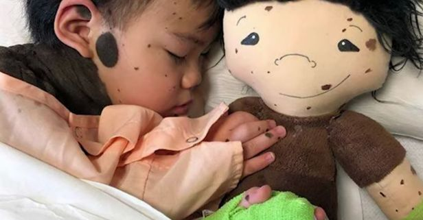 """Doll-Maker Makes Custom """"Lookalike"""" Dolls for Children with Disabilities"""