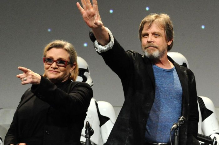 "Mark Hamill Admits to ""Making Out Like Teenagers"" with Carrie While Filming 'Star Wars'"