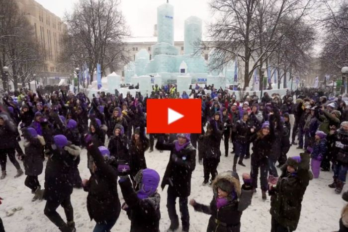 Minneapolis Pays Tribute to Prince with Massive Flashmob