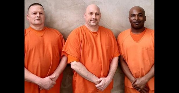 Georgia Inmates Save Deputy Who Was Having a Heart Attack