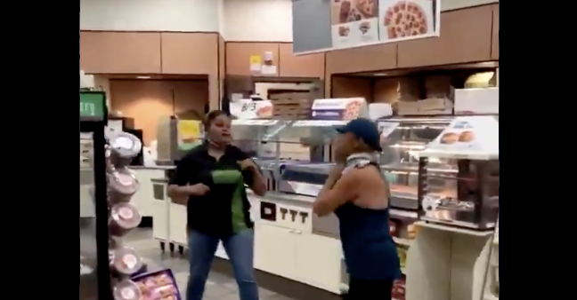 7-Eleven Clerk Beats Down Hostile Customer