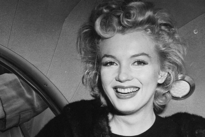 Marilyn Monroe Pearls From Her Last Photoshoot are Heading to Auction