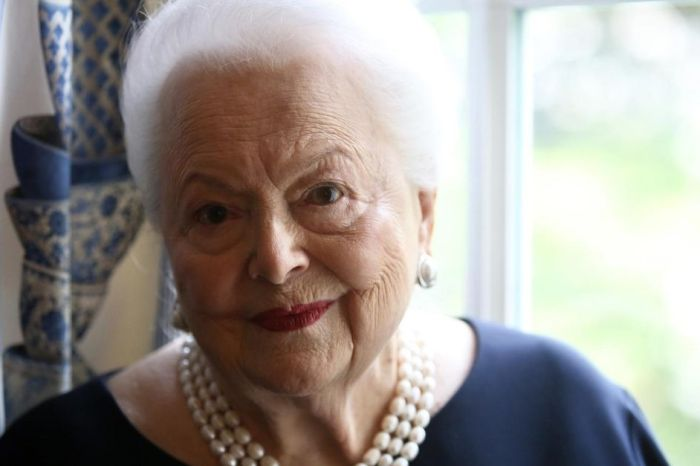 Olivia de Havilland, 'Gone With The Wind' Actress, Dies at 104
