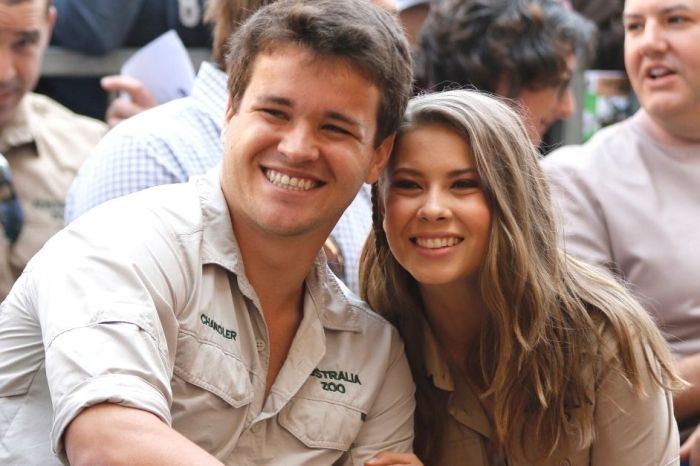 Bindi Irwin and Chandler Powell Reveal Sex of Their Upcoming Baby