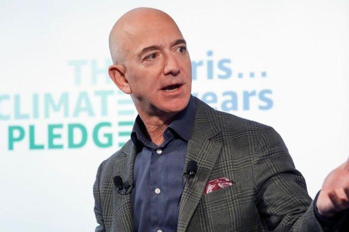 Amazon CEO Jeff Bezos Breaks Record as Net Worth Tops $200 Billion