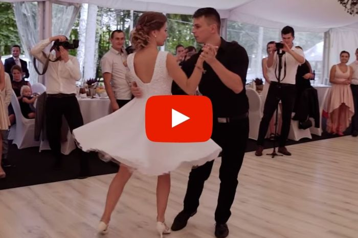 Newlyweds Nail 'Dirty Dancing' Routine During Their First Dance