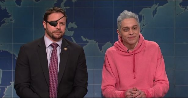 'SNL' Star Mocked Republican Candidate, Former Navy SEAL Over War Injuries