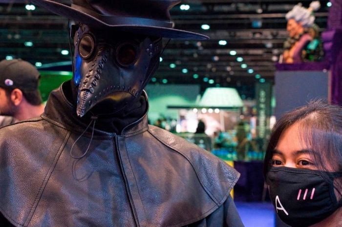 The 'Plague Doctor' Costume Is Perfect for a COVID-19 Halloween