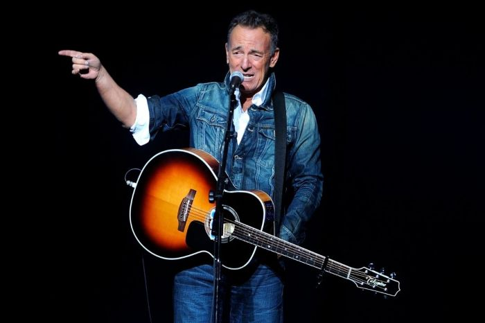 Bruce Springsteen Insults Trump and Family, Calls For 'Exorcism' in White House
