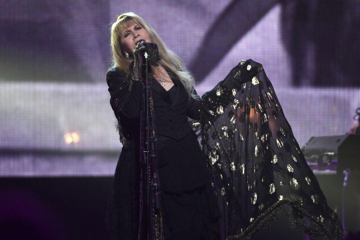 Fleetwood Mac's 'Dreams' Reenters Charts After Viral Video