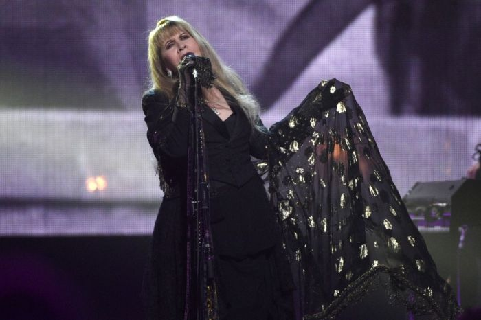 Fleetwood Mac's 'Dreams' Reenters Charts After Viral Video