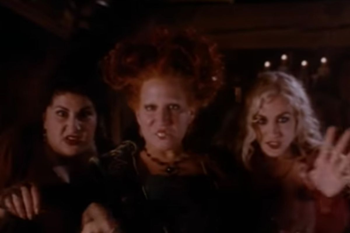 "Spend Your Halloween with the ""Hocus Pocus"" Cast for a Live Virtual Reunion"
