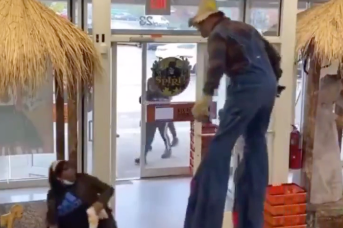 Woman Gets Scared Near to Death by Scarecrow at Spirit Halloween, Gets Real Mad