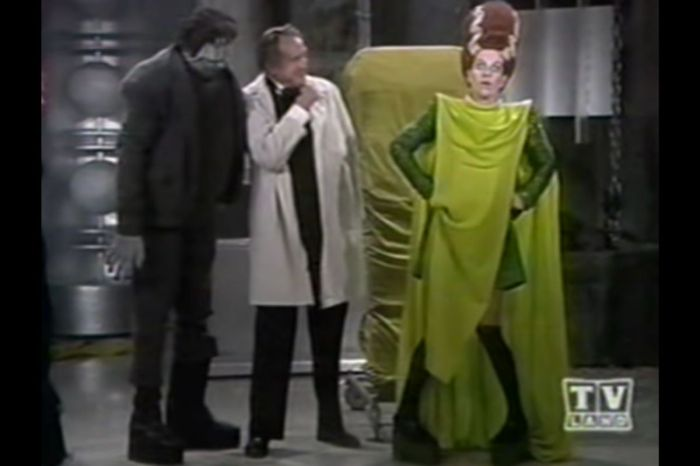 Carol Burnett Hilariously Played the Bride of Frankenstein in Her Show's Halloween Special