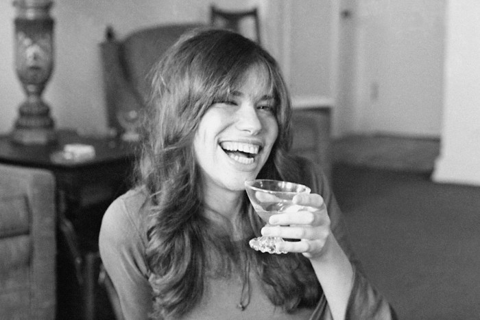 The Meaning Behind Carly Simon's 'You're So Vain'