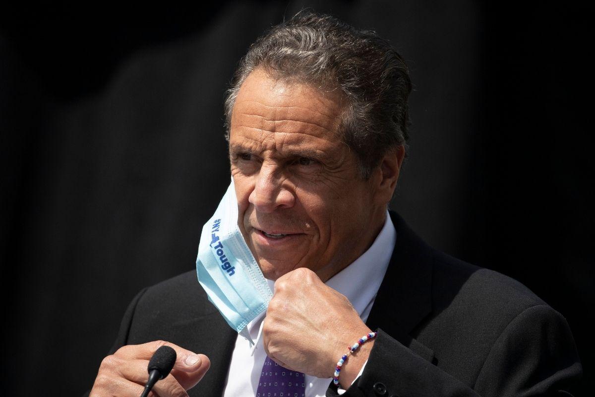 Gov. Andrew Cuomo to Receive $25K Pay Raise Despite New York's $60B Budget Deficit