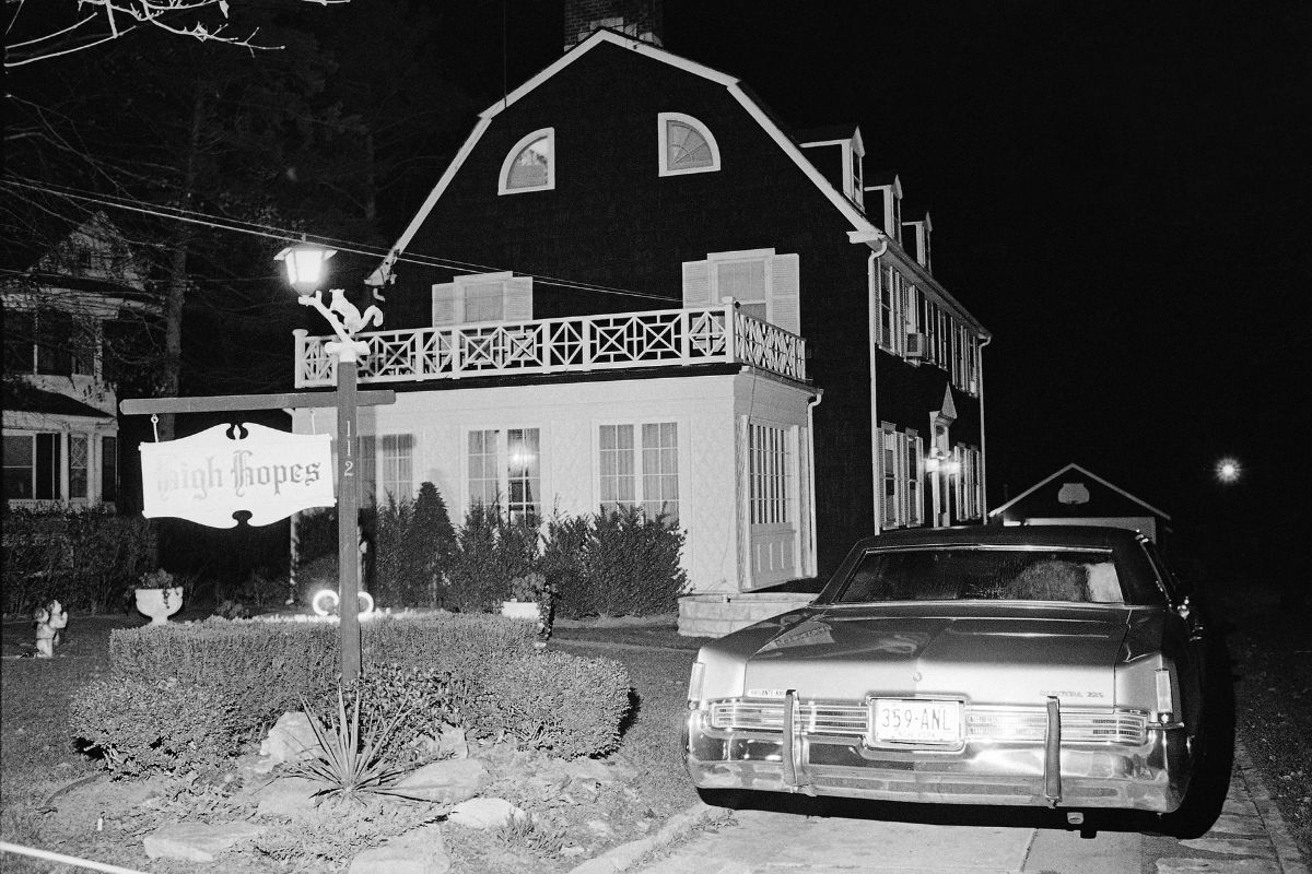 Inside The Real 'Amityville Horror' House