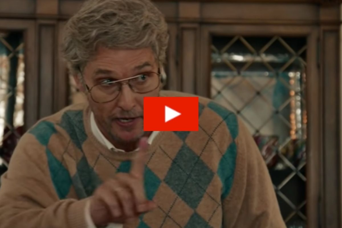 "Matthew McConaughey Hilariously Portrays Thanksgiving Dinner Fights in ""SNL"" Skit"
