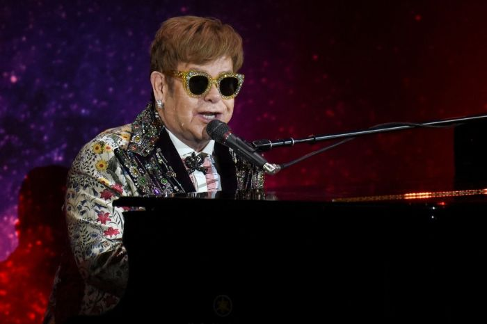 How Elton John's First American Show 'Changed His Life'