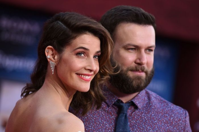 Cobie Smulders is Married to THIS 'SNL' Star!