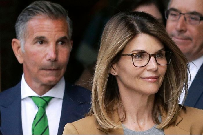 Lori Loughlin Released From Prison After Serving 2-Month Sentence For College Admission Scam