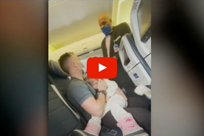 United Airline Ejected Family From Flight After 2-Year-Old Refused To Wear Mask