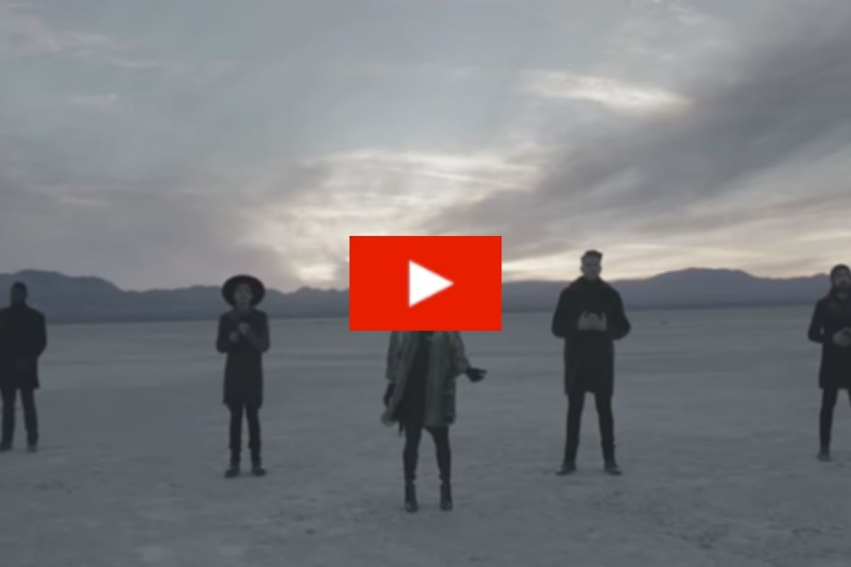 "Pentatonix's Cover ""Hallelujah"" Is So Powerful, It Takes Our Breath Away"