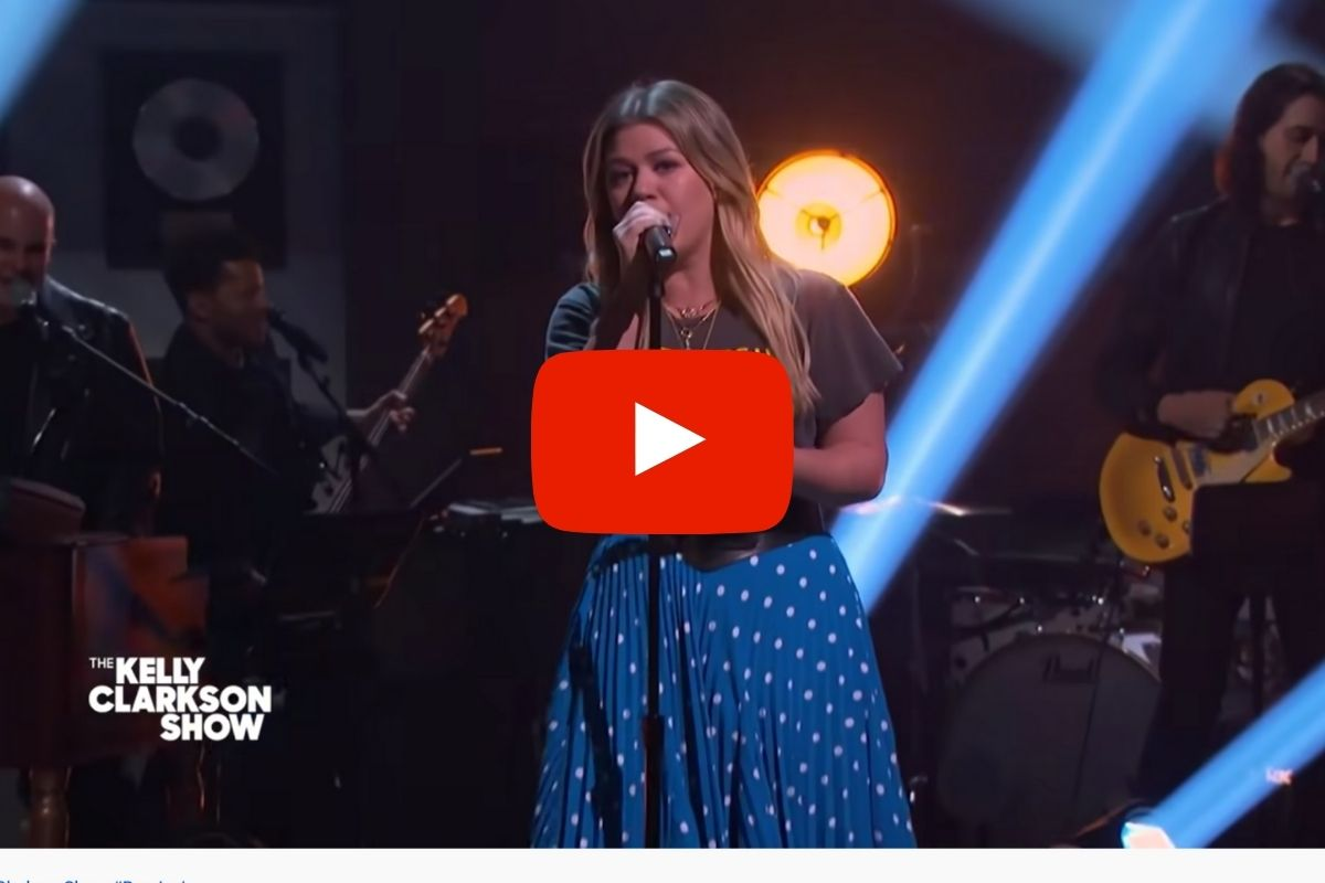 Watch Kelly Clarkson's Epic Cover of Bon Jovi's 'It's My Life'