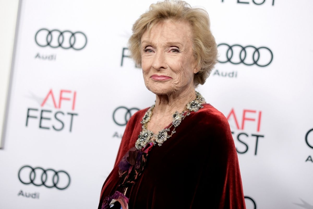 Cloris Leachman, Emmy and Oscar Winner, Dies at 94