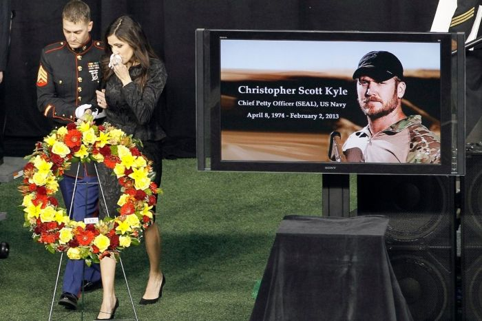 "The Real-Life Story Behind ""American Sniper"" Chris Kyle"