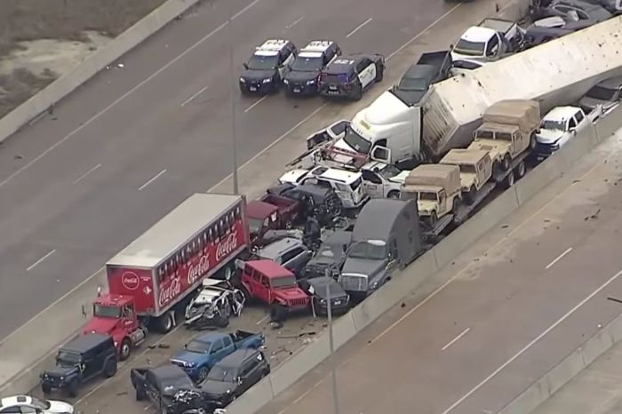 At Least 5 Dead in 100-Car Pileup on Icy Texas Interstate