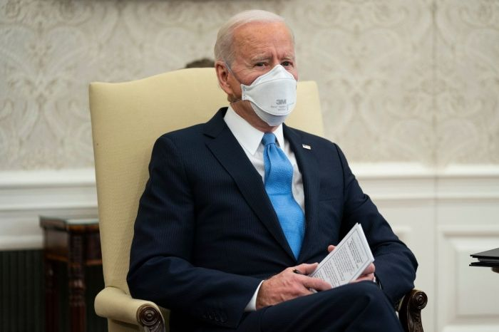 'Mask Up!': Biden Urges Americans to Wear Face Masks Until at Least 2022