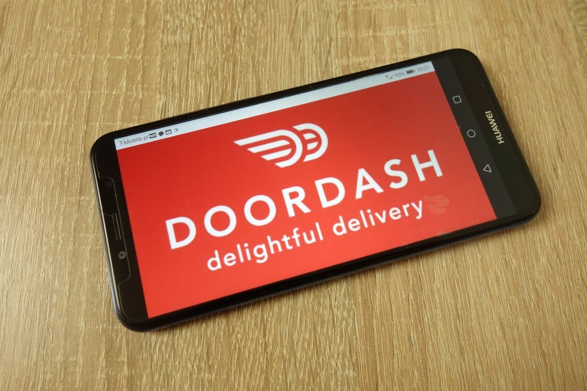 Gross DoorDash Driver Would Only Deliver Food in Exchange for Sexual Favors