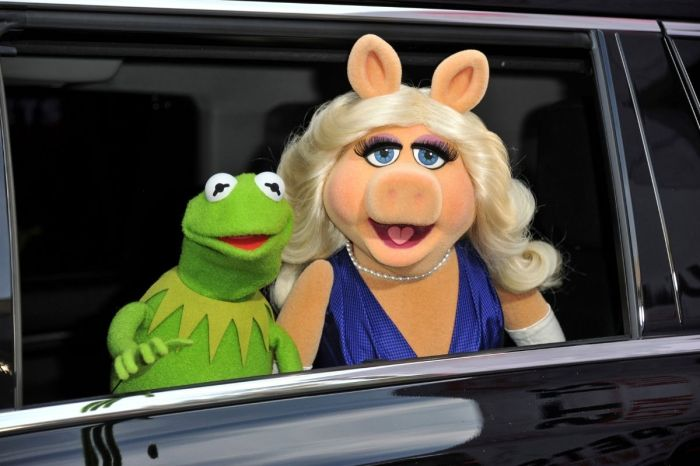 Social Media Tries Cancelling Miss Piggy for 'Predatory Behavior'
