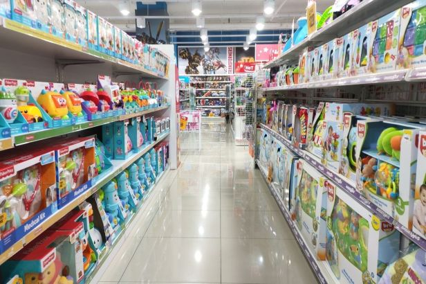 Law Proposes Gender-Neutral Toy Sections in Department Stores