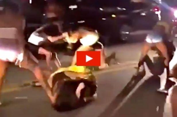Massive Brawl Erupts Between Multiple Girls on Miami Beach