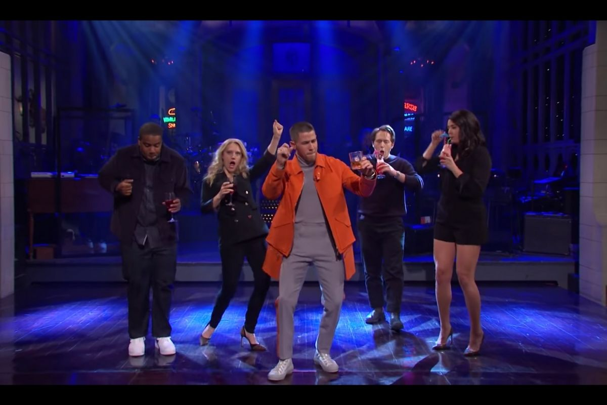 'SNL' Recap: Nick Jonas Disappoints on Double Duty