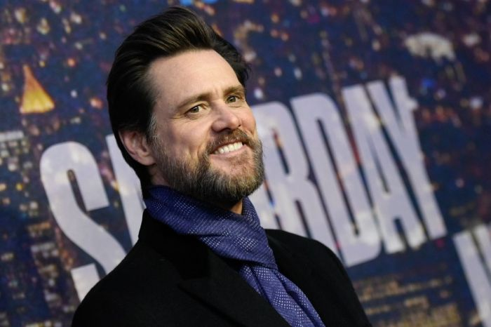 Jim Carrey's Daughter Looks Exactly Like Her Dad!
