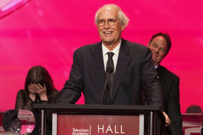 "Chevy Chase Recovering at Home After 5-Week Hospitalization for a ""Heart Issue"""