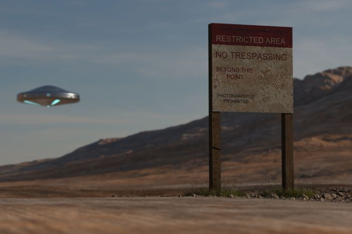 FBI Confirms 'Long, Cylindrical' UFO 'Moving Really Fast' Over New Mexico