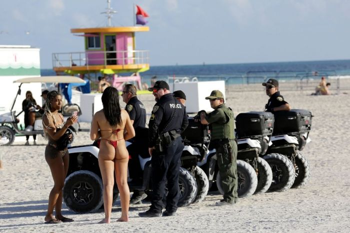 Police Fire Pepper Balls at Miami Spring Breakers