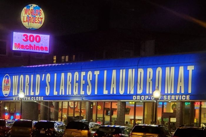 The World's Largest Laundromat Is in Berwyn, IL