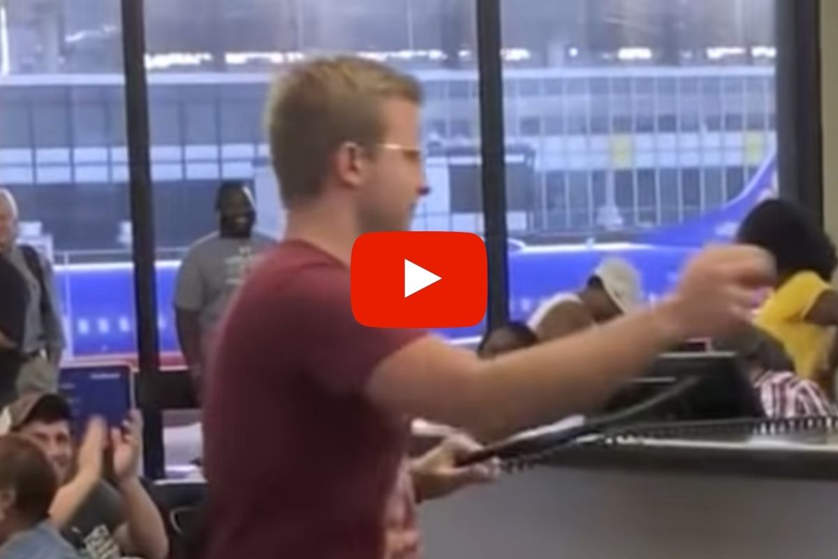 Man Gives Epic 'No Diggity' Performance At Southwest Airlines Counter