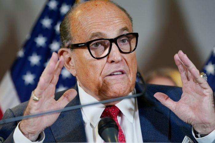 'Giuliani Is a Great Patriot': Donald Trump Responds to FBI Raid on Rudy Giuliani's Home
