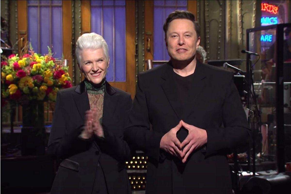 Everyone Hated Elon Musk's 'SNL' Performance